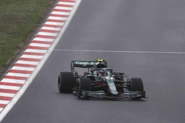 Sebastian Vettel largou na 10ª colocação no GP da Turquia, mas terminou apenas em 18º lugar