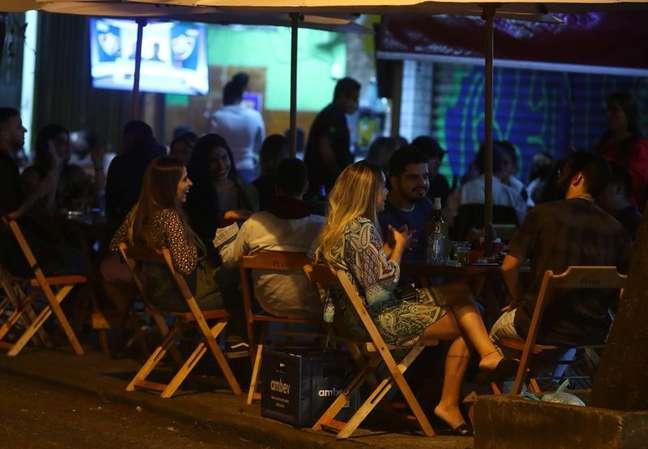 Bar no Rio de Janeiro 13/5/2021 REUTERS/Pilar Olivares