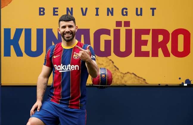 Aguero pode finalmente fazer a sua estreia pelo Barcelona