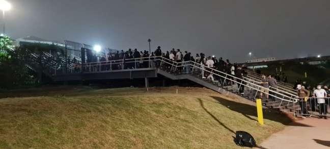 A fila dos corintianos para entrada na Neo Química Arena (Foto: Gabriel Santos)