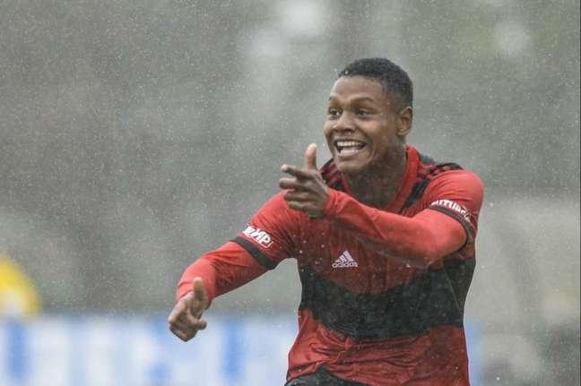 Matheus França é a bola da vez das divisões de base do Flamengo (Foto: Marcelo Cortes/Flamengo)