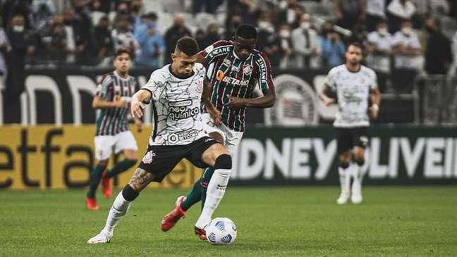 Corinthians venceu o Fluminense com um bonito gol de Gabriel Pereira (Foto: Lucas Merçon / Fluminense)