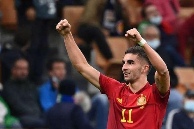 Ferrán Torres se lesionou durante participação na Nations League (Foto: FRANCK FIFE / AFP)