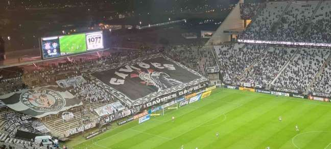 Neo Química Arena teve participação intensa da torcida do Corinthians (Foto: Gabriel Santos)