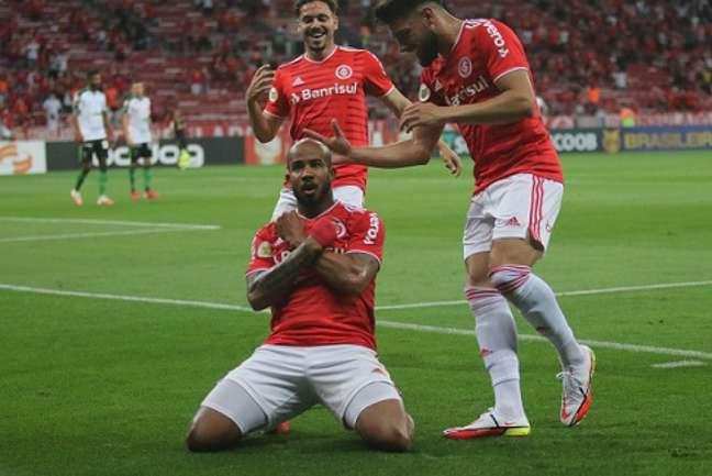 Patrick foi o nome da noite no Beira Rio com os dois gols sobre o Coelho (Divulgação/Internacional)