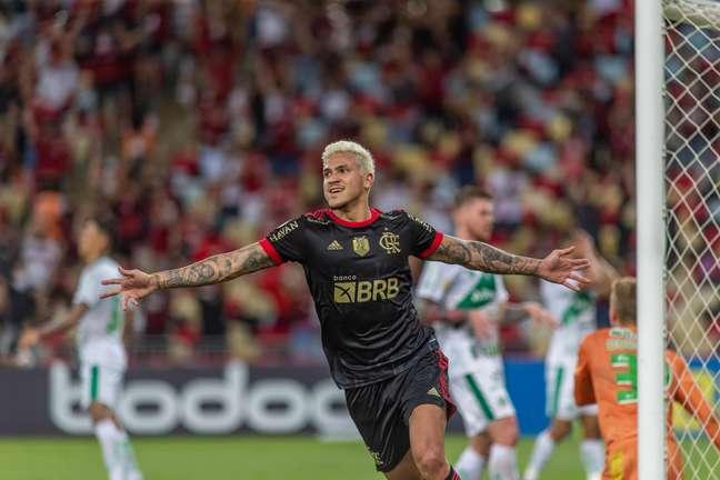 Flamengo vence o Juventude por 3 a 1 e segue na segunda posição no Brasileiro