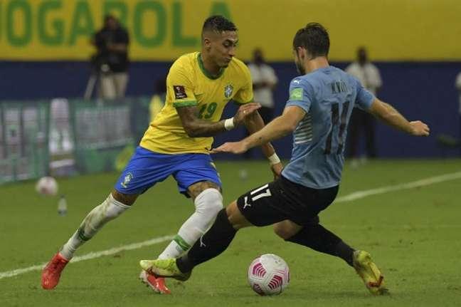 Raphinha foi titular contra o Uruguai (FOTO: NELSON ALMEIDA / AFP)