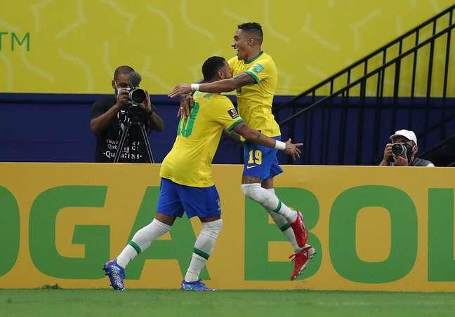 Com show de Neymar e Raphinha, Seleção atropela Uruguai em Manaus