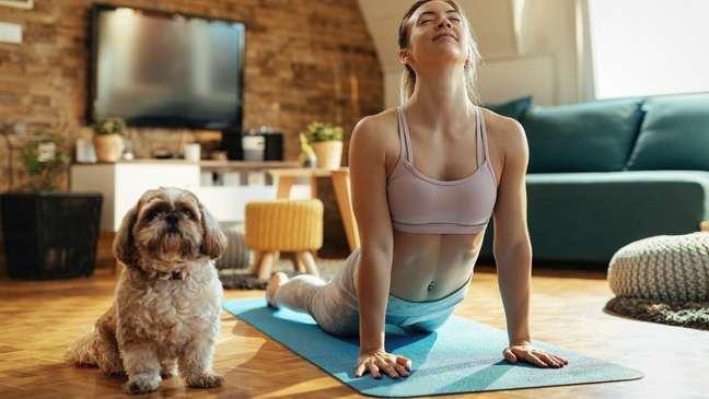 Exercícios caseiros: 5 dicas para se manter ativo sem precisar sair