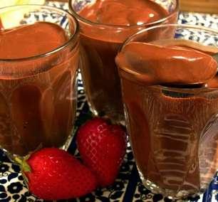 Para espantar o frio: receita de chocolate quente cremoso