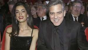 Merkel recebe George Clooney em Berlim