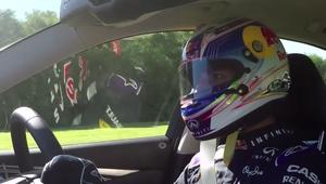 Infiniti Hybrid en la pista con Ricciardo tras el volante