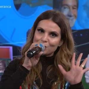"Aline Barros divide opiniões na web após ""pregar"" na Globo"
