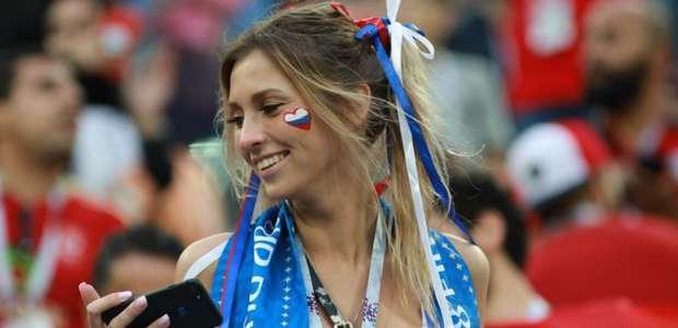 Torcedoras se destacam no 6º dia de Copa; veja fotos