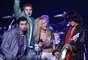 Britney Spears, Aerosmith, Nelly, Mary J. Blige y N'SYNC compartieron el escenario de esta celebración deportiva en 2001. Su espectáculo concluyó cuando todos cantaron 'Walk this Way'.