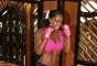 Tiffany Rothe, instructora de fitness profesional con más de 20 años de experiencia te muestra la rutina 'Boxer Babe', un sencillo ejercicio que trabaja los brazos, espalda, muslos de la cintura, glúteos. ¡Un gran entrenamiento que crea los resultados máximos!
