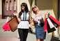 Fazer compras: segundo um estudo da Sociedade Britânica de Psicologia, as mulheres tendem a fazer mais dívidas quando estão a cerca de 10 dias da menstruação. As mudanças hormonais influenciam nas emoções, no poder de escolha e controle. O resultado são compras impensadas