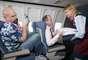 O site Skyscanner realizou uma pesquisa com mais de 2.700 britânicos para descobrir qual é a maior reclamação sobre passageiros aéreos que estão no mesmo voo delas. O resultado foi publicado pelo The Telegraph