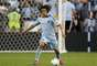 In the fifth week, Roger Espinoza repeated the award thanks to his commanding play in the Sporting Kansas City 1-0 victory over the Galaxy as KC extended its winning streak to five.