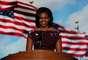 El presidente fue presentado por su esposa, la primera dama, Michelle Obama.