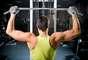 Musculação emagrece - Mito. Os exercícios aeróbicos são os maiores responsáveis por queimar as gorduras. Mas, investir alguns minutos em um treino de resistência de força realizado com cargas leves e muitas repetições diminui o percentual de gordura no tecido adiposo e estimula o metabolismo basal, que deixa contribui para que o organismo permaneça em constante queima