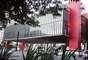 O Museu de Arte de São Paulo Assis Chateaubriand - MASP foi inaugurado em 1947 e conta com uma das coleções de arte mais importantes do hemisfério sul. Grandes nomes como Monet, Renoir, Van Gogh, Manet, Degas e Velázquez estão presentes nas mostras fixas do museu. A arquitetura do prédio é uma atração à parte: com 74 metros de comprimento, o vão livre do MASP é um dos maiores do mundo