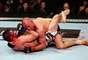 Em casa, pelo UFC 154, o canadense Georges St-Pierre voltou a provar porque é um dos maiores lutadores de MMA de todos os tempos, mesmo após 19 meses parado. Ele venceu Carlos Condit com grande domínio e defendeu seu cinturão dos pesos meio-médios