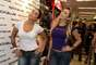 Na tarde desta sexta-feira (23), as ex-panicats Jaque Khury e Dani Bolina foram clicadas em uma loja no bairro de Santo Amaro, na capital paulista