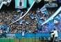 Torcedores do Grêmio aproveitaram para homenagear grandes ídolos do clube neste sábado