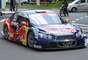 Cacá Bueno, 36 anos, é carioca e tetracampeão da Stock Car: conquistou os títulos de 2006, 2007, 2009 e 2011, os dois últimos pela Red Bull Racing