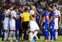 Com expulsão de Luís Fabiano após 13min de jogo e pressão do Tigre, o São Paulo arrancou empate por 0 a 0 nesta quarta-feira, na Bombonera, na primeira partida da final da Copa Sul-Americana