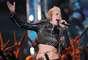 Miley Cyrus se encuentra en el segundo lugar del sitio especializado por apoyar a una fundación en pro de perros callejeros y dar parte de su dinero a Save The Music Foundation y Make-A-Wish Foundation, entre otras organizaciones.