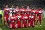 """Los """"Tuzos"""" hicieron homenaje a Miguel Calero y salieron con un uniforme rojo y guantes de portero."""