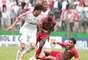 Fernando, lateral e meio-campista no Fluminense, fez um dos gols no empate contra o Velo Clube; ambos avançaram de fase