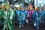 Sendo uma das mais coloridas e alegres do país caribenho, a comemoração reúne uma variedade de personagens da expressão popular nativa