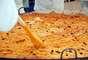 Uma das atrações gastronômicas é a macarronada, preparada em uma panela com 2,5 metros de diâmetro