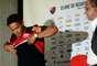 Carlos Eduardo chega com a responsabilidade de vestir a camisa 10 do Flamengo