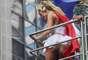 Preta Gil, um fenômeno de popularidade no Rio de Janeiro, arrastou uma multidão na passagem de seu bloco pela Avenida Rio Branco. Carolina Dieckmann é madrinha do Bloco e Sheron Menezzes é a Miss Simpatia