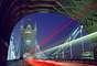 4. Londres, Inglaterra -Londres é uma cidade multicultural e de mente aberta, recebendo também de braços abertos a comunidade gay.A capital inglesa tem uma importante oferta de estabelecimentos para o público homossexual, com bares, restaurantes, lojas e saunas, emuma comunidade baseada principalmente em volta das ruas de Soho
