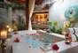 5. Baros Maldivas, Atol Malé Norte, Maldivas: as Maldivas encontram-se entre os destinos mais paradisíacos do planeta, com ilhas e ilhotas preservadas em meio a águas cristalinas. Com luxo e sofisticação, o resort Baros Maldivas é um dos prediletos entre os turistas, com varandas, decks, cama king-size e muito conforto