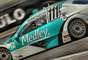 Enquanto Cacá Bueno abriu a temporada da Stock Car com uma vitória emocionante no fim da prova, Rubens Barrichello teve azar em sua estreia na categoria
