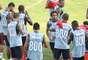 Jogadores treinam com o número 800 nas costas; o Fluminense pretende completar marca de 800 mil torcedores em jogos como mandante na Copa Libertadores