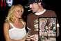 Pamela Anderson: la exestrella de la serie 'Guardianes de la Bahía' se vio expuesta en un video casero de sus actos sexuales con su pareja, el músico Tommy Lee, durante su sexualmente intensa luna de miel.
