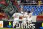 Wellington Nem marcou o gol da vitória tricolor aproveitando cruzamento de Bruno