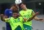 Rivaldo disputa pelo alto com Kleber e Maurício Ramos no reencontro com clube em que teve seus melhores momentos no Brasil