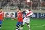 Con gol de Jefferson Farfán en los minutos finales, la selección peruana de fútbol venció 1-0 a Chile en el Estadio Nacional y aún respira en las Eliminatorias a Brasil 2014.