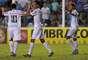 Jogadores do Santos comemoram gol na Vila Belmrio