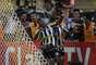 Vitinho, que entrou no segundo tempo, marcou dois golaços e deu um belo final a vitória do Botafogo