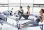 Dor nas costasAposte em dois ou três dias por semana de exercícios de força, com foco em grandes grupos musculares (experimente o supino, leg press e remada sentada) e trabalhe lombar e abdominal