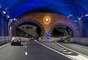 Túnel de Yerba Buena, Estados UnidosPara conectar esta isla con el mundo, tienen un túnel de 25 metros de diámetro, que funciona desde 1936. Este posee dos niveles vehiculares que permiten el paso de cinco carriles.